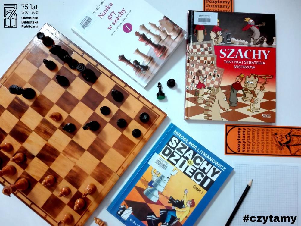 Okładki książek o tematyce szachowej dostępne w oleśnickiej bibliotece
